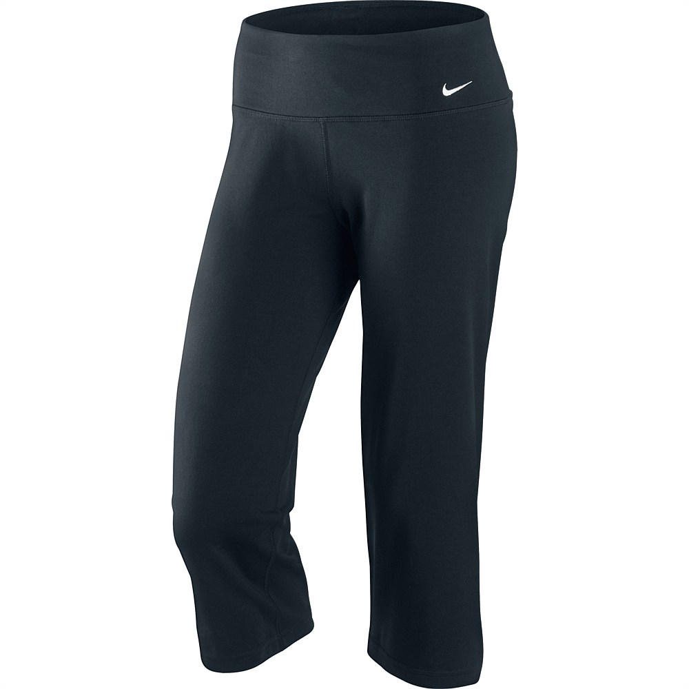 Original Sports Direct Is The UKs Leading Sports Retailer And The Owner Of A Significant Number Of Internationally Recognised Sports And Leisure Brands Please Note That All Sizes On Our Listings Are Shown In UK Sizes Nike Essential Capri Pants